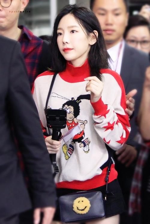 jennie-xue-xoa-bat-ngo-tae-yeon-di-giay-don-o-san-bay-1