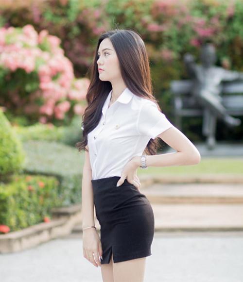 ngam-dong-phuc-nu-sinh-goi-cam-nhat-the-gioi-10