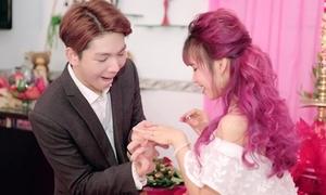 Kelvin Khánh cầu hôn 'bá đạo' khiến Khởi My đồng ý trong một nốt nhạc
