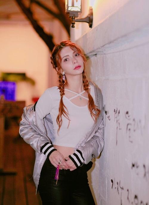 kpop-co-idol-nu-nguoi-nga-dau-tien-chua-debut-da-hut-fan