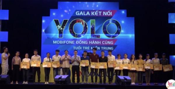 Màn trao học bổng của MobiFone dành cho tân sinh viên của ĐH Hồng Đức