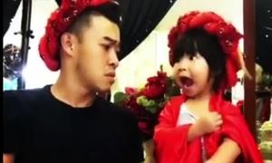 Những cặp bố con Việt 'bá đạo' hết phần thiên hạ bởi những trò hài hước