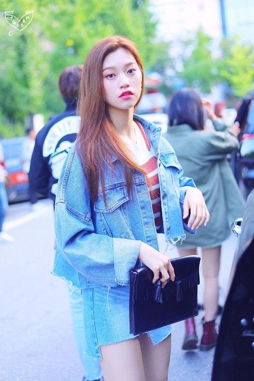 dan-sao-kpop-ban-ron-khoe-dang-tren-duong-den-music-bank-9
