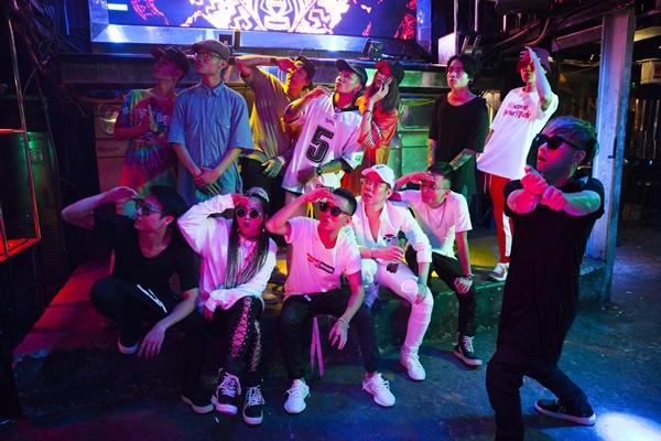 kimmese-quy-bung-noc-voi-hoi-ban-than-underground-trong-mv-hip-hop-2