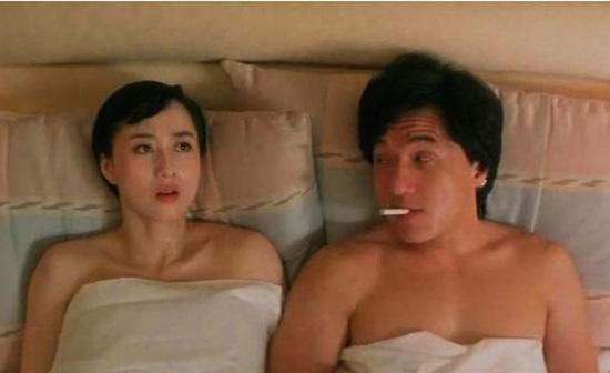 Cảnh giường chiếu của Lợi Trí với Thành Long từng khiến Lý Liên Kiệt nóng mặt