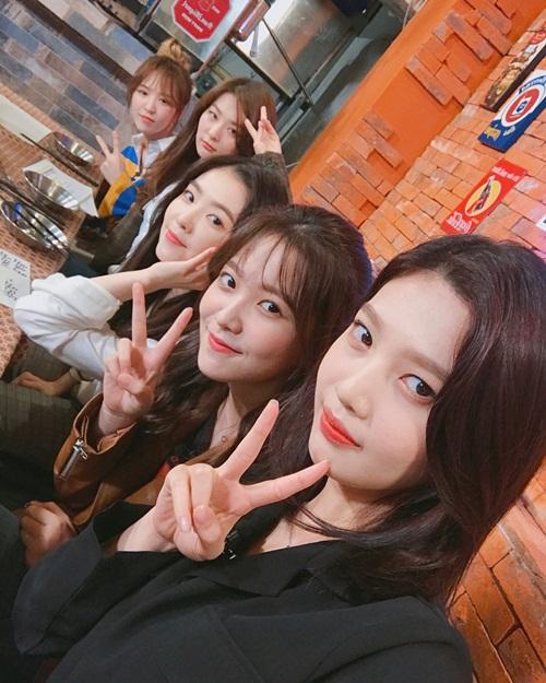sao-han-26-9-suzy-khoe-nhan-sac-long-lay-chi-em-dara-dep-ngang-ngua-6