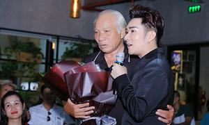 Thầy chủ nhiệm cũ khóc nức nở khi nói về Quang Hà