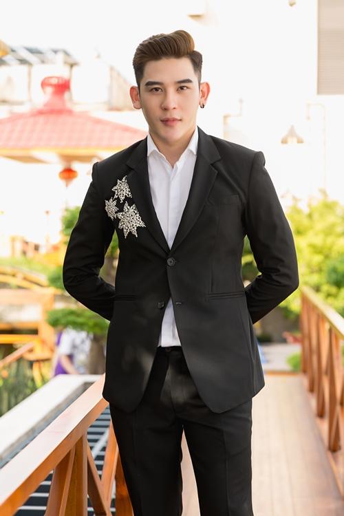 ngoc-trinh-khoe-voc-dang-nuot-na-hut-moi-anh-nhin-7