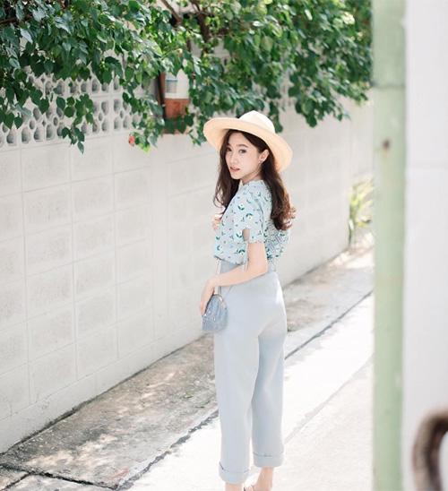 dan-hot-girl-sanh-dieu-o-ngoi-truong-danh-gia-bac-nhat-thai-lan-7