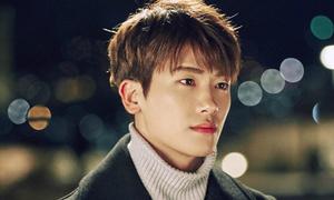 4 thần tượng Kpop bỗng đổi đời nhờ 'đá chéo sân' phim ảnh