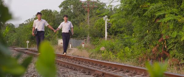 5-diem-sang-lam-hu-nu-thon-thuc-trong-phim-tao-khong-xa-may-1