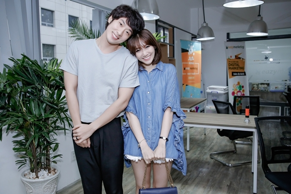 hari-won-tre-trung-nhu-gai-18-di-tap-thoai-cho-phim-6