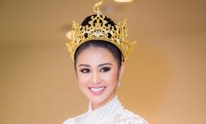 Hoa hậu Hòa bình thế giới 2016 đẹp tựa nữ thần khi đến Việt Nam