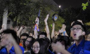 Sinh viên Đại học Xây dựng Hà Nội mang… chảo đón tân sinh viên