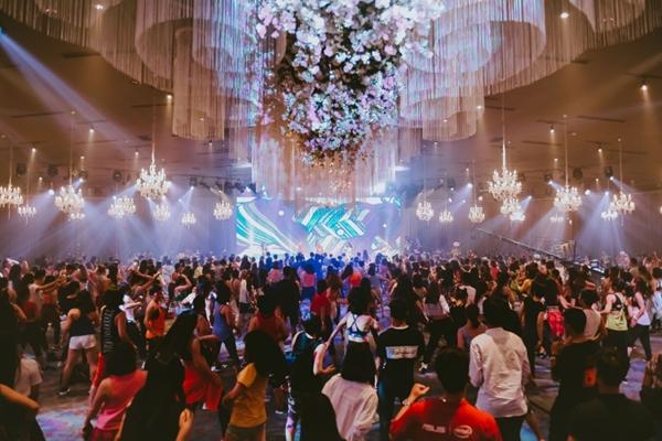 doi-quan-dancer-nhi-huong-dan-hang-tram-nguoi-lon-nhay-flashmob-3