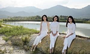 'Bản sao' Tăng Thanh Hà mặc áo dài đọ sắc vóc với Thanh Tú, Thùy Dung