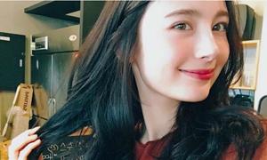 Vừa xuất hiện trên TV, cô gái Nga khiến netizen Hàn 'phát sốt'