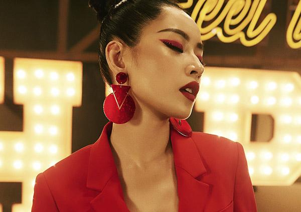 4-cach-trang-diem-giup-chi-pu-dep-nhu-idol-han-trong-mv-debut-9