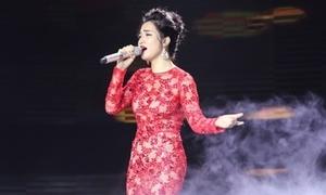 'Công chúa' Hòa Minzy hát bolero được cố vấn khen nức nở