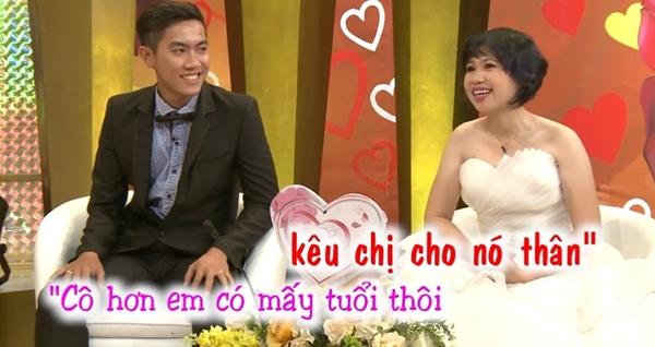 chuyen-tinh-co-giao-mua-phien-ban-doi-thuc-voi-chang-hoc-tro-tung-chu-nhiem-1