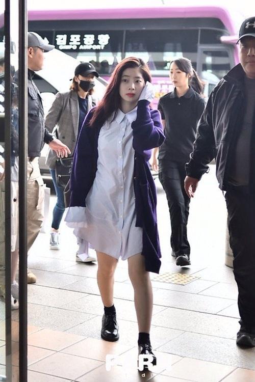 2-nu-than-toc-ngan-yoon-ah-krystal-nhan-phan-ung-trai-chieu-o-san-bay-7