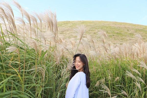 sao-han-19-10-suzy-makeup-nhe-nhu-khong-yeri-red-velvet-mat-bien-sac-2-6