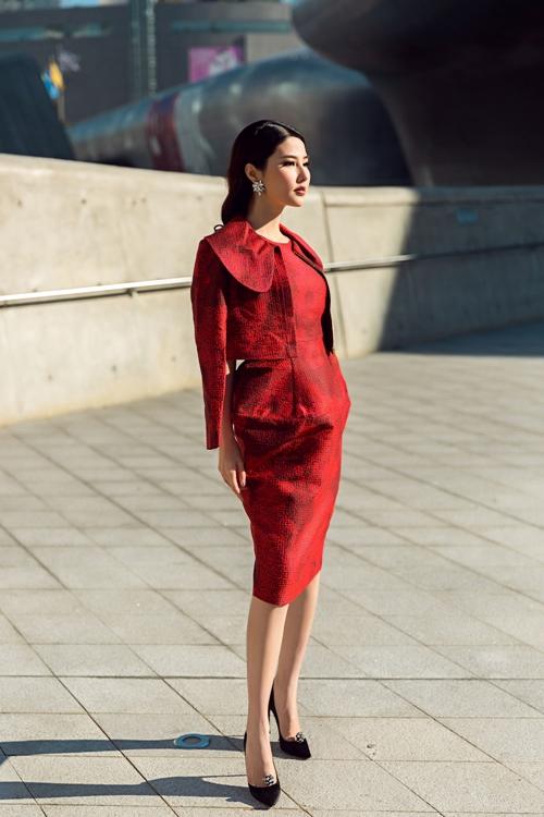 diem-my-9x-kieu-ky-danh-bat-rung-streetstyle-tai-seoul-fashion-week-1