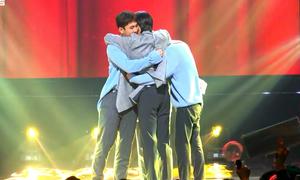 Boygroup phá kỷ lục Kpop với thời gian chờ cúp 'dài đằng đẵng'