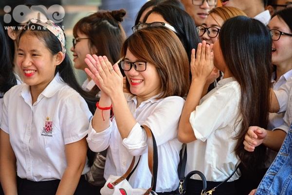 gan-800-tinh-nguyen-vien-hao-huc-chun-bi-ho-tro-apec-2017-tai-da-nang-9
