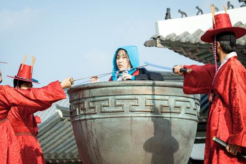 phim-han-day-phi-ly-khan-gia-van-nham-mat-lam-ngo-8