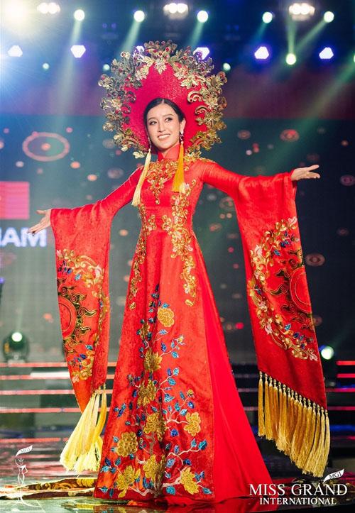 nhung-khoanh-khac-dang-nho-nhat-cua-huyen-my-o-miss-grand-international-2017-4