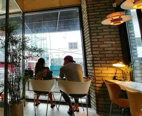 rain-khoe-kim-tae-hee-da-sinh-con-gai-dau-long-1