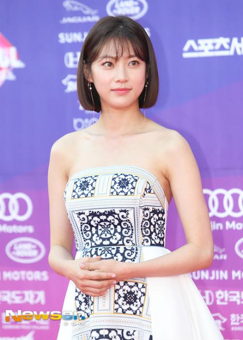 my-nhan-han-nguoi-sang-chanh-ke-luong-cuong-khi-xuong-xe-6