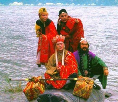 hau-truong-ngheo-den-gay-soc-cua-nhung-phim-trung-quoc-kinh-dien-2
