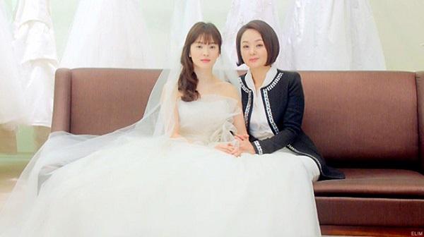 nhung-khoanh-khac-dien-vay-cuoi-noi-tieng-nhat-cua-song-hye-kyo-3