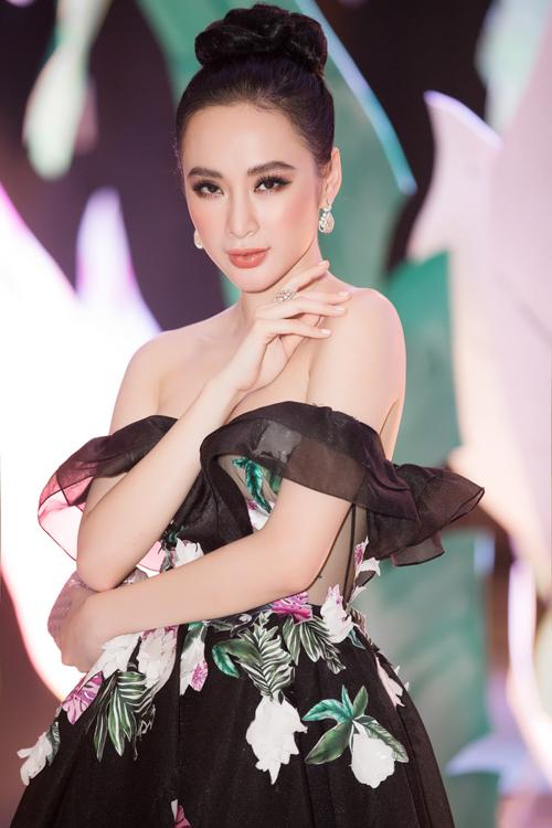 angela-phuong-trinh-dien-do-tien-ty-noi-nhat-dan-my-nhan-tren-hang-ghe-dau-2