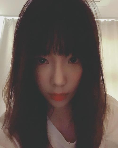 sao-han-29-10-hyun-ah-khoe-vong-3-kieu-kho-do-sulli-hoa-trang-de-thuong-7