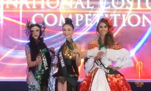 Hà Thu 'bội thực' huy chương tại Hoa hậu Trái đất 2017