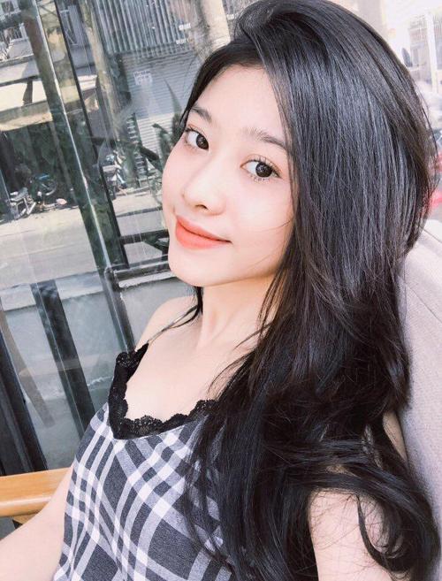 dan-hot-girl-chung-minh-con-gai-viet-de-toc-den-dai-luon-la-dep-nhat-7
