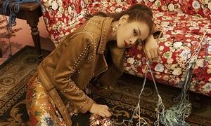 Chi Pu vừa debut tại Hàn Quốc đã vào top 10 tìm kiếm