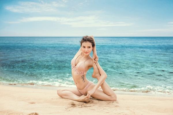 phuong-trinh-jolie-dien-bikini-khoe-duong-cong-tao-bao