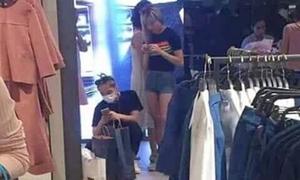 Sơn Tùng bịt khẩu trang đi mua sắm cùng Thiều Bảo Trâm