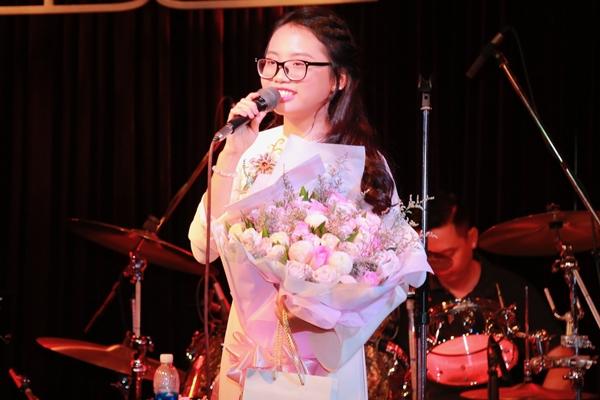 phuong-my-chi-xin-loi-vi-khien-me-bi-chui-oan-sau-scandal