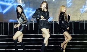 T-ara khiến fan Việt 'không kịp thở' khi hát loạt hit dưới mưa
