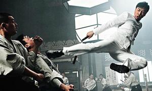 Cảnh một đấu 10 phá vỡ mọi giới hạn của Chân Tử Đan trong 'Diệp Vấn'