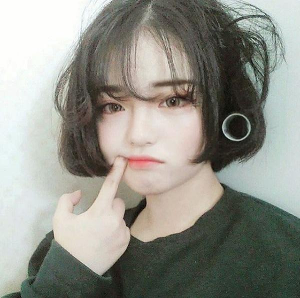 long-may-cua-con-gai-han-ngay-cang-ngang-nhu-duong-thang-6