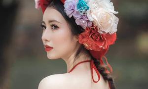 Vẻ đẹp của 'MC hoa khôi' trong buổi giao lưu với Jack Ma
