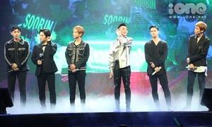 Teen Top hát 'Phía sau một cô gái' cùng Soobin Hoàng Sơn