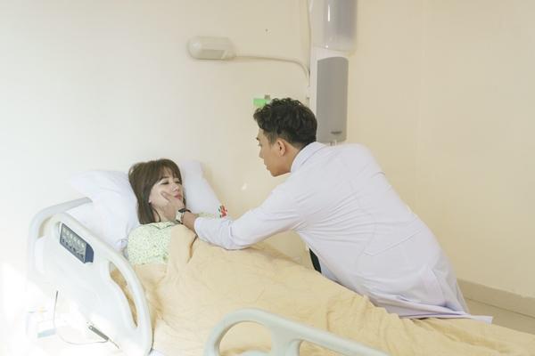 hari-won-tran-thanh-dong-canh-hon-mot-luc-2-co-toi-khong-phan-ung
