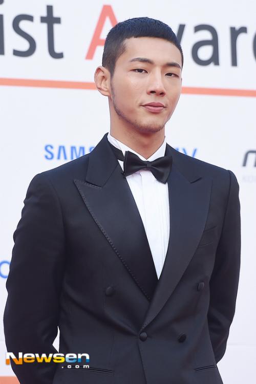 dan-sao-kpop-hung-hau-tren-tham-do-asia-artist-awards-3